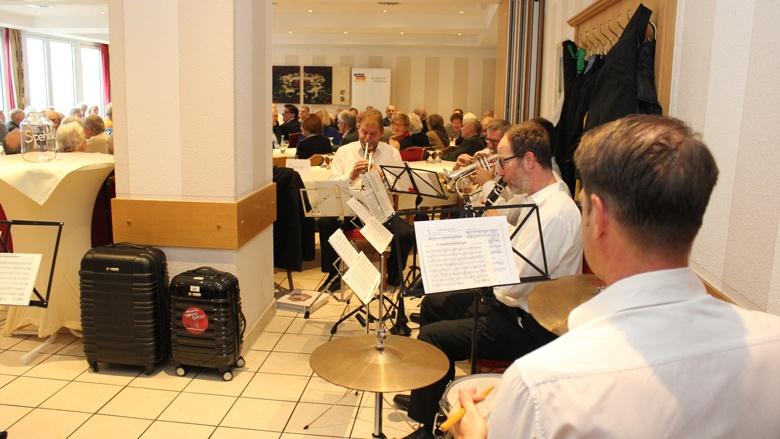 Musik vom Orchesterverein Hilgen
