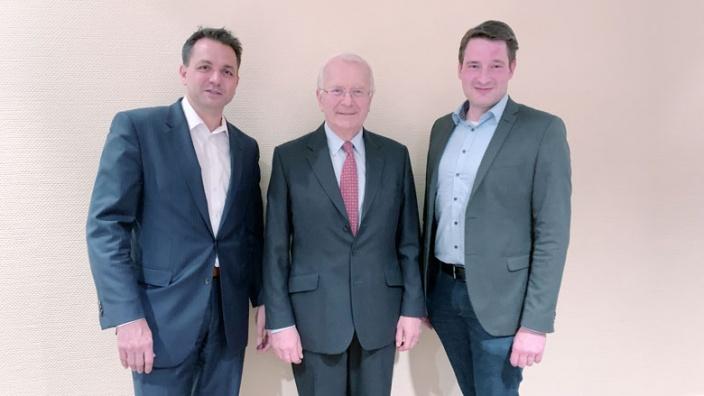 Der neue Vorsitzende Christian Königsmann mit Vorgänger Prinz Wittgenstein und Kreisvorsitzender Uwe Pakendorf