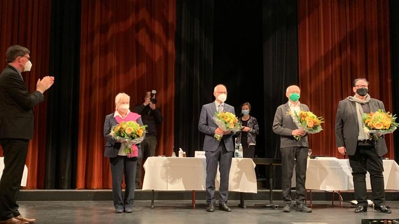 Landrat Santelmann mit seinen neuen Stellvertretern