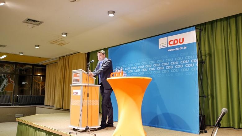 Uwe Pakendorf bei der Lokalkonferenz in Burscheid