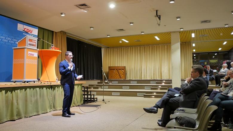 Christian Klicki bei der Lokalkonferenz in Burscheid