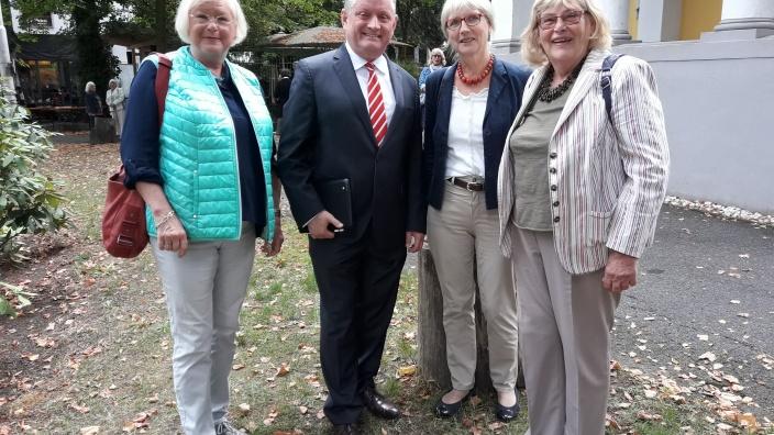 Margarethe Iversen (stellvertretende Landesvorsitzende EAK), Elke Lehnert (CDU Ratsmitglied, Hermann Gröhe (MdB), Birgit Fort (Kreisvorsitzende EAK)