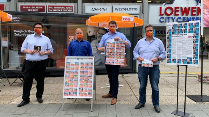 Christian Buchen, Johannes Dünner, Uwe Pakendorf und Lennart Höring bei der Vorstellung des Kreiswahlprogramms